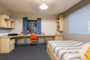 Premium En-Suite 2, Snow, Huddersfield, HD1