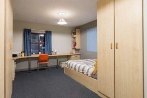 Premium En-Suite, Snow, Huddersfield, HD1