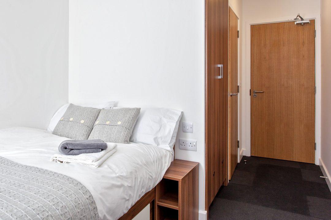 Deluxe Bedroom, Wembley, Middlesex, HA9 main image