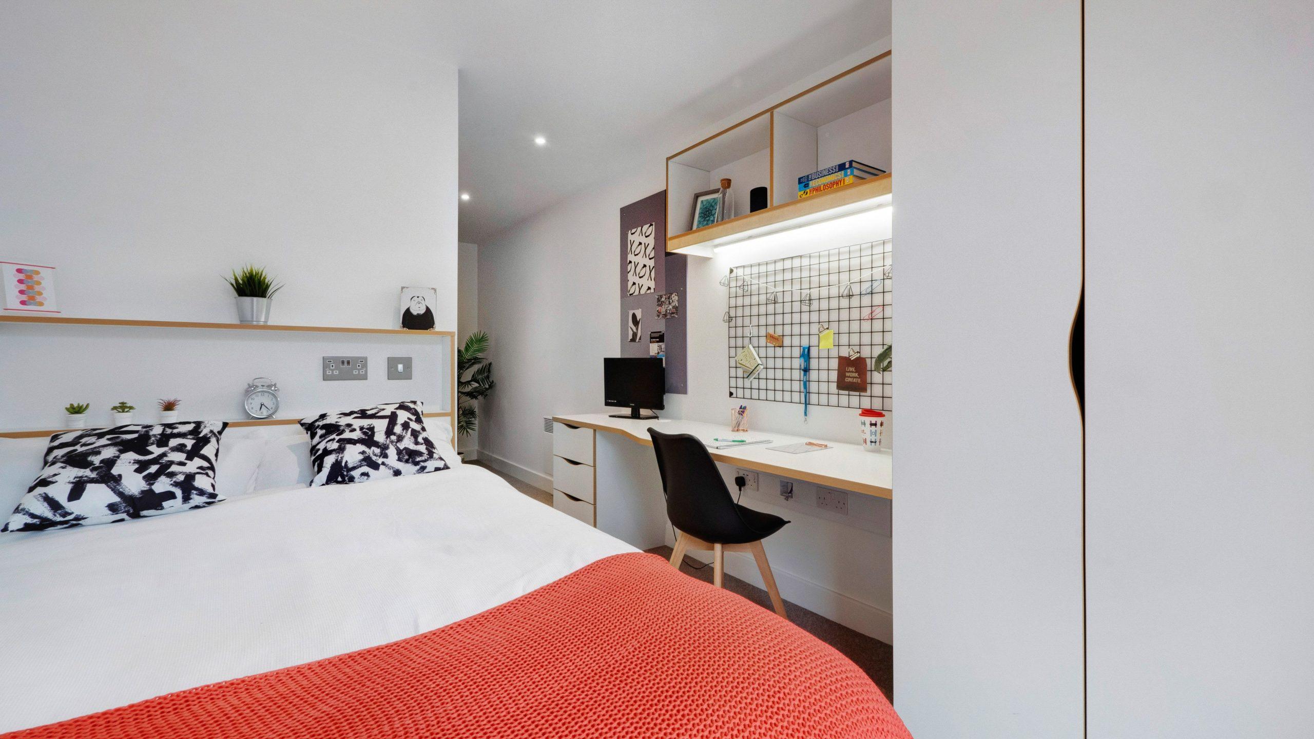 Platinum Plus En-Suite, Host, 27 Magdalen Street, Colchester, 27 Magdalen Street, Colchester