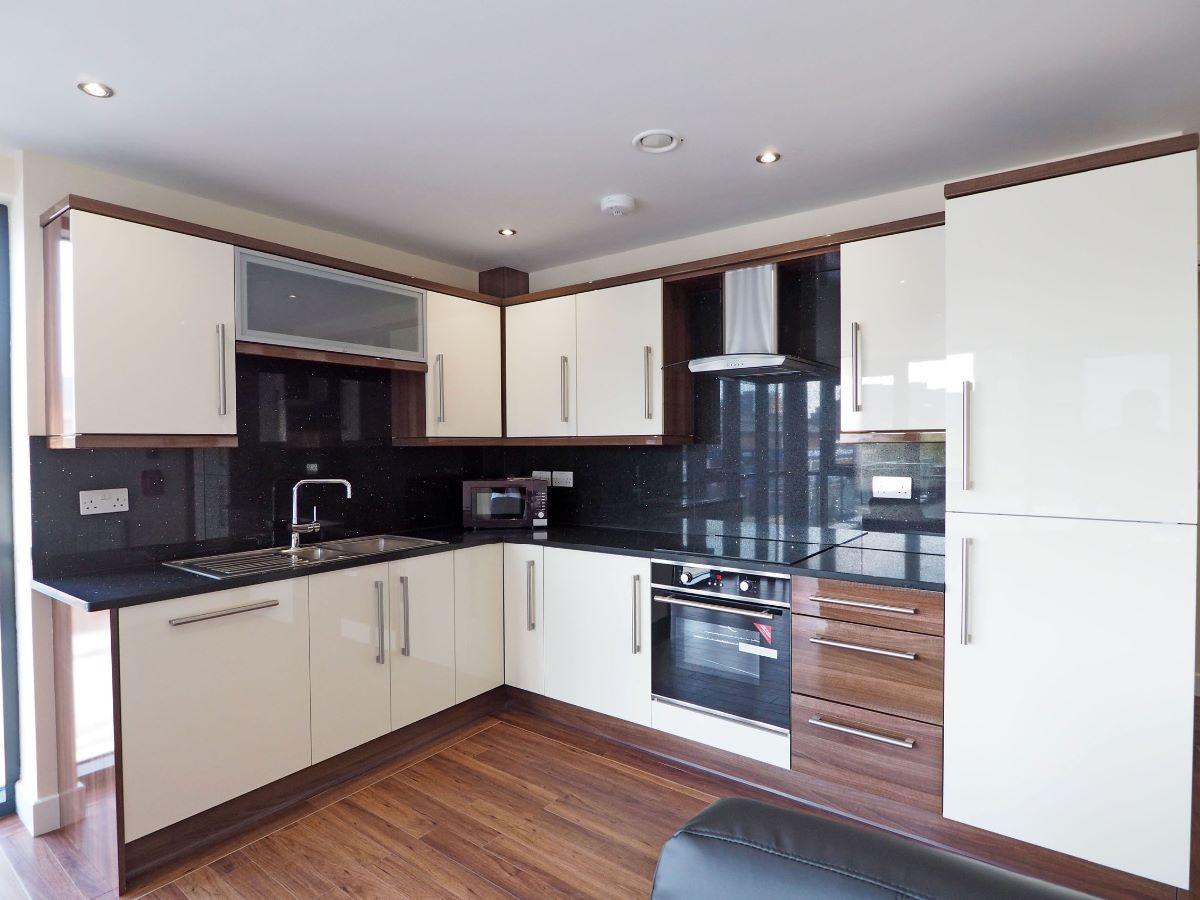 Apt 4 Devonshire Point 121 Fitzwilliam Street, 121 Fitzwilliam Street, Sheffield