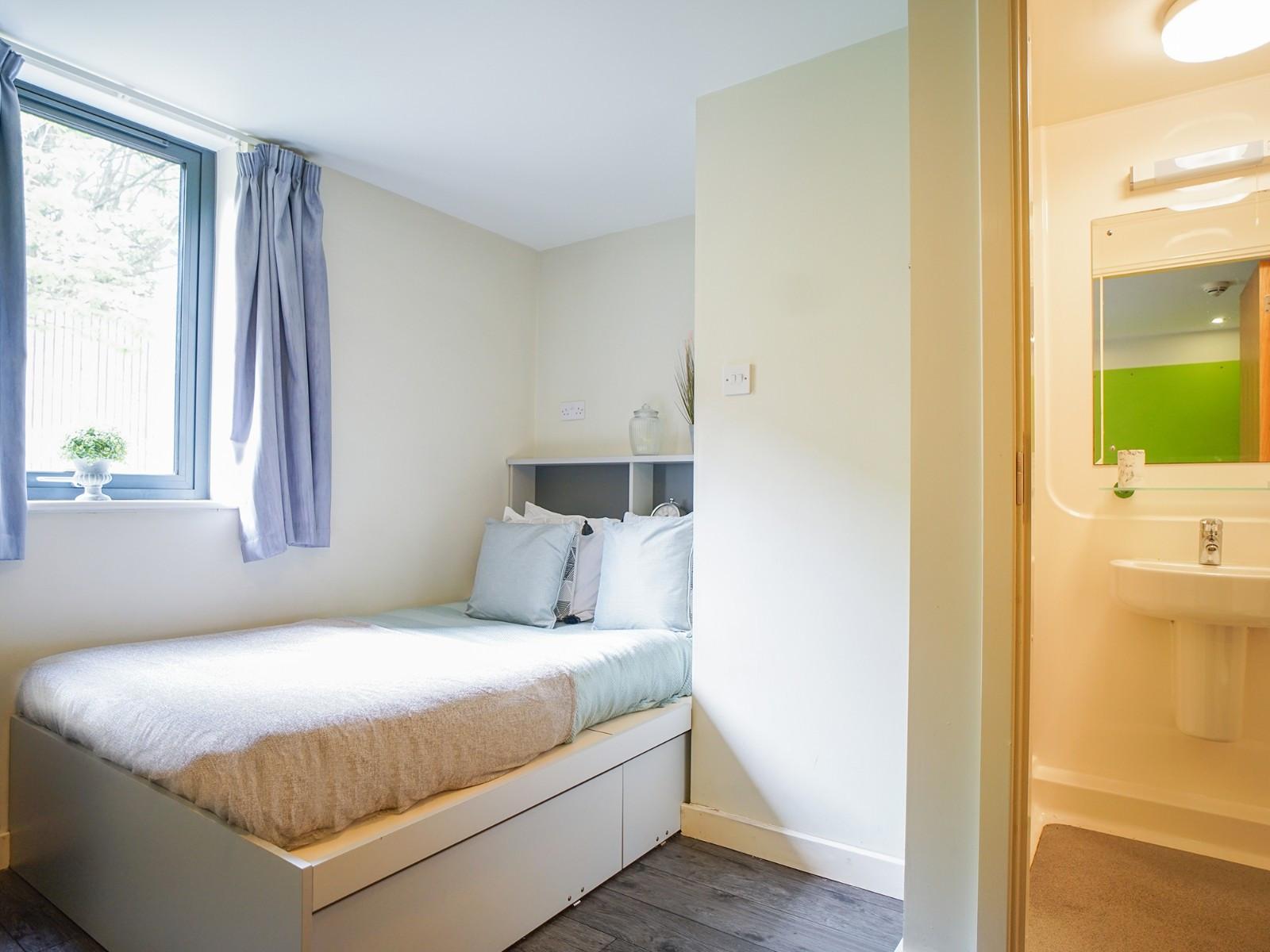 Management Suite 17, Beaverbank Place, Edinburgh